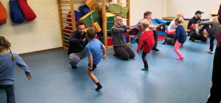 Kickboxtraining für Papa und Kind