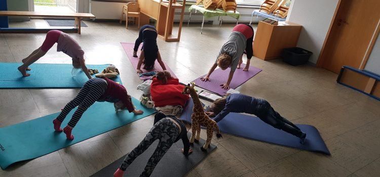 Mit dem Kuscheltier zum Kinder-Yoga