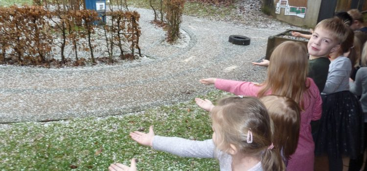 """Besuch in der Tagespflege – """"Früher und Heute"""" – Schnee!!"""
